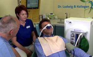 Quelle: Zahnarztpraxis Dr. Ludwig & Kollegen_Erklär-Video: Lachgas gegen die Angst vorm Zahnarzt