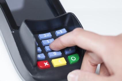 Bezahlen mit EC-Karte | Zahnarzt Fürth; Quelle: sp4764_fotolia.com