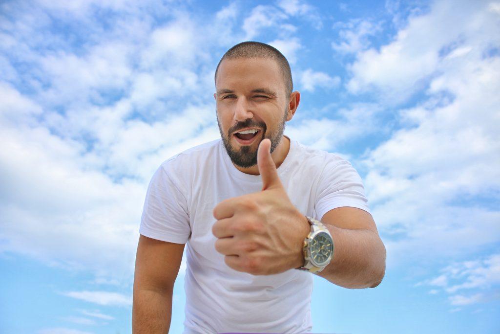 Moderner Zahnersatz: Kronen, Brücken und (Teil-)Prothesen | Zahnarzt Fürth